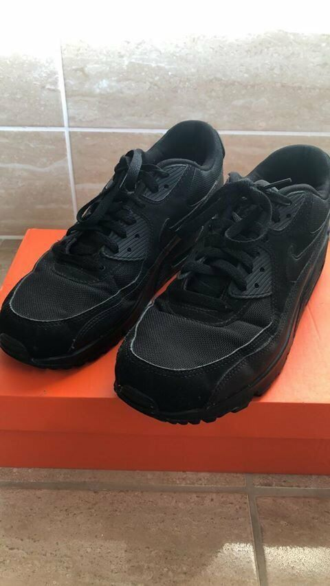 new products be749 b4f5c Black Air Max 90 Essential - Mens Size 9