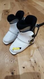 Kids ski boots for sale, size 15.5-16.5 (roughly kids size 8-9)