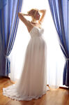 How to Choose a Flattering Wedding Dress When Pregnant