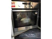 SAMSUNG BLACK S.S SINGLE INTEGRATED ELECTRIC OVEN! NEW! EX DISPLAY!