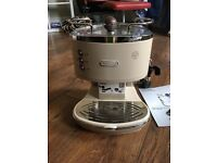DeLonghi Vintage Icona Coffee Machine