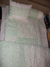 Single bed quilted throw