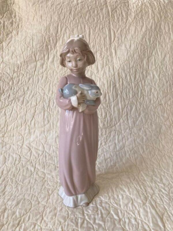 Lladró Figurine: Nao 0695 Girl Patting Bunny