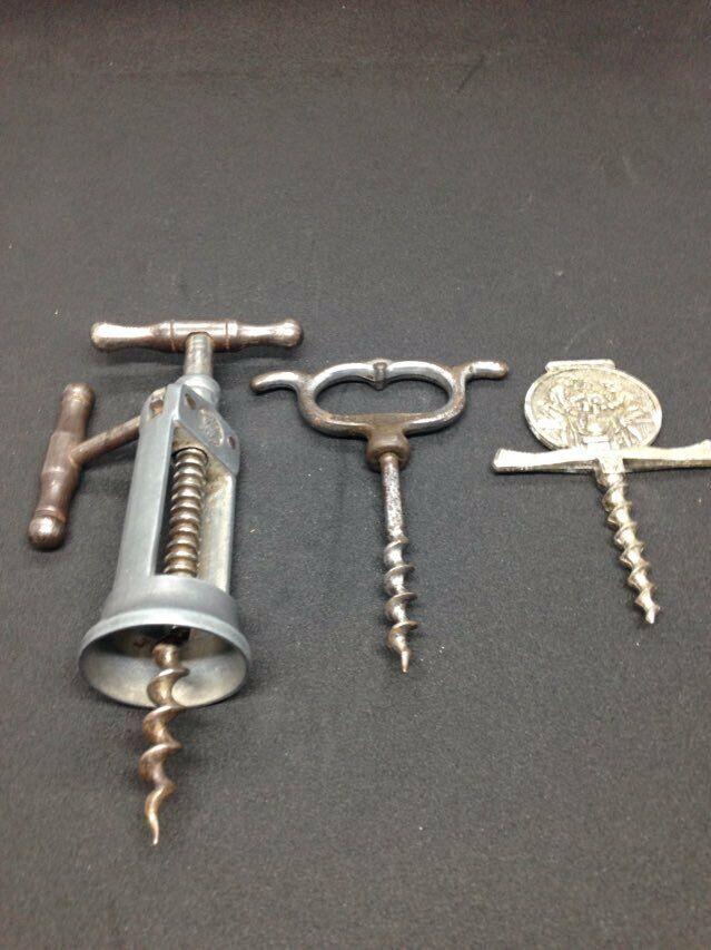 3 anciens tire bouchon corkscrew cremaillere jb + debouchoir a.p. + publicitaire