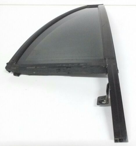 2003-2014 Volvo XC90 FEO right rear door stationary vent glass w/weatherstrip