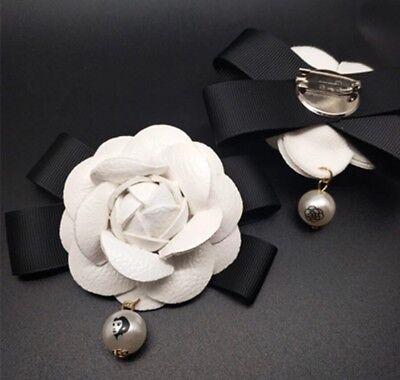 Brosche Nr5 No5 Fünf Blume Kamelie Camelia CC Luxus Pin Anstecker Coco Blogger