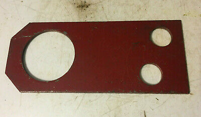365971r1 - A New Support Bracket For An Ih Gas 300 Utility 350 Utility Tractors