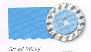 CREATIVE MEMORIES ROTARY TRIMMER SMALL WAVY BLADE BNIP