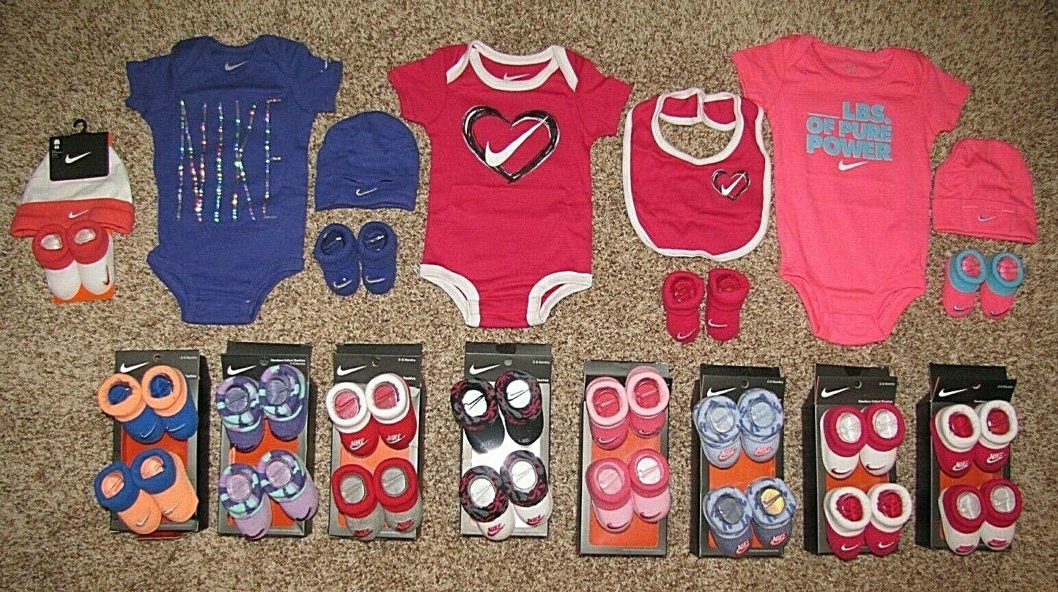 Nike Baby Girl Set Bodysuit Booties Hat Bib Newborn 0-6 Mont