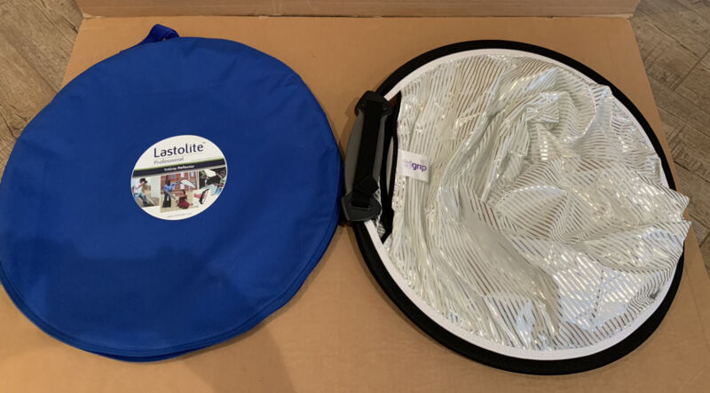 "Lastolite Professional TriGrip Reflector, 30"" Collapsible"