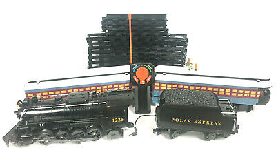 The Polar Express Battery Powered Model Train Set Lionel Complete 16 Track Set