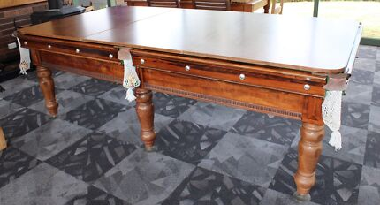 Pool table 8ft plus accessories