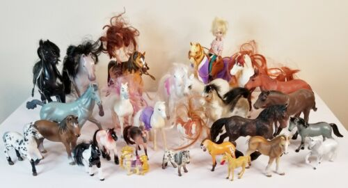 Lot of 27 toy Horses most plastic mutiple brands Preowned