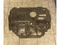 2013 TOYOTA PRIUS 1.8 HYBRID BREAKING FRONT UNDER ENGINE PLASTIC TRAY COVER