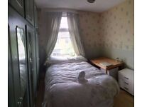 Double room in a lovely house with garden, 3 min away from Honor Oak Park