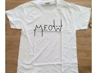 """Cute """"meow"""" cat tshirt - women"""