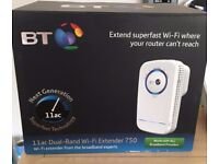 Dual-Band Wi-Fi Extender 750