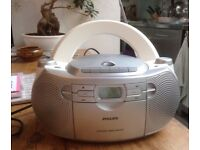 PHILLIOS portable CD player and radio £8