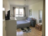 ALDGATE EAST, E1, BRIGHT AND AIRY 2 DOUBLE BEDROOM APARTMENT