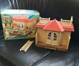 Sylvanian family willow hall and conservatory