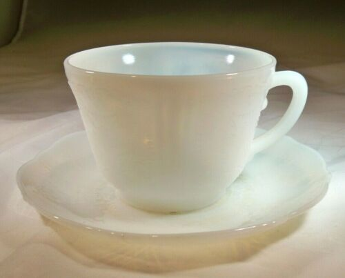 MacBETH-EVANS GLASS CO. AMERICAN SWEETHEART MONAX OPALESCENT CUP & SAUCER SET!