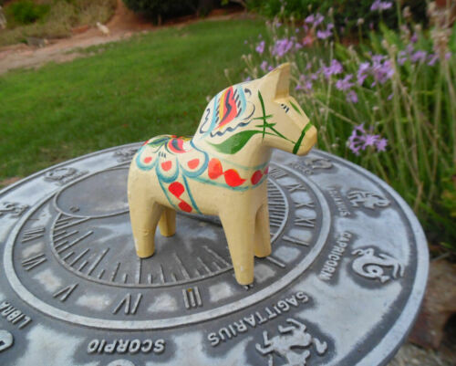 VINTAGE DALA HORSE SWEDEN CARVED WOOD FIGURE UNIQUE DESIGN AND COLOR
