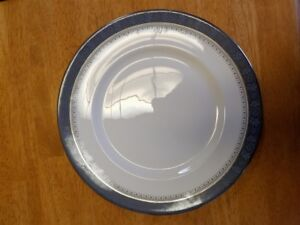 ROYAL DOULTON ~ SHERBROOKE ~ Fine China ~ DINNER PLATE/s  H 5009