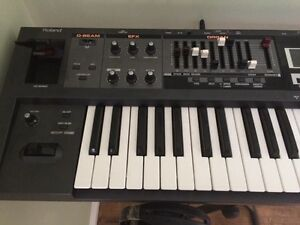 Roland VR-09 Combo Keyboard/Synthesizer/Organ
