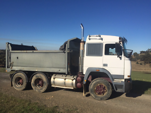 6 wheel tip truck hire Capital Hill South Canberra Preview