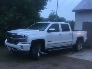 2016 Chevrolet Silverado High Country / Factory Lift Kit
