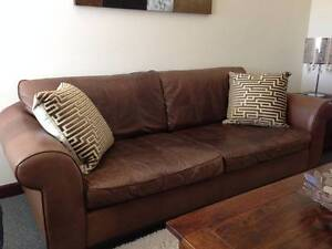 3 SEATER 100% LEATHER SOFA Revesby Bankstown Area Preview