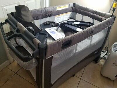 Chicco Magic Pack and Play Playard Rattania, Excellent Condition!!!