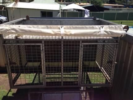 dog crate with hanging rack
