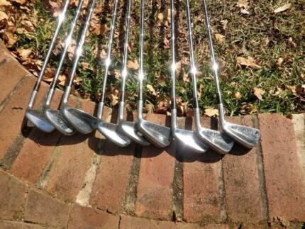 Dunlop/Maxfli 65 Blades Golf set. Epping Ryde Area Preview
