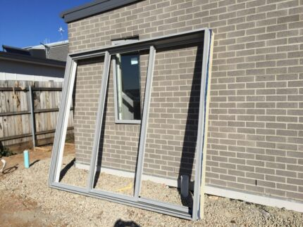 Sliding door glass in australian capital territory for Sliding glass doors gumtree