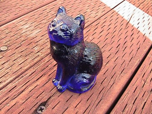 """Collectible Cobalt BLUE Glass Cat Figurine - 3"""" tall - 125.3g"""