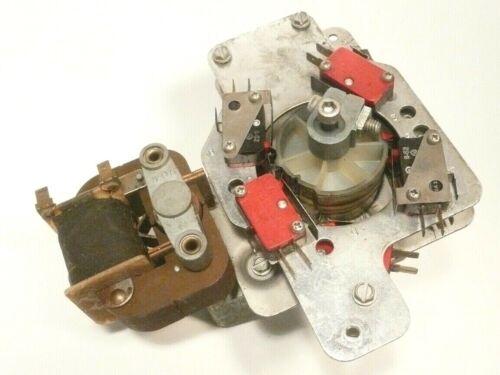 ROWE JUKEBOXES w/ 1100 MECHANISM:  Working GRIPPER  MOTOR UNIT type 2-- 8 MICROS