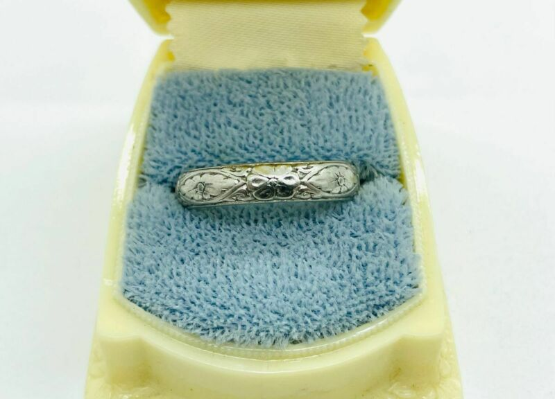 Art Nouveau Platinum Floral Decorated Chased Eternity Band Ring