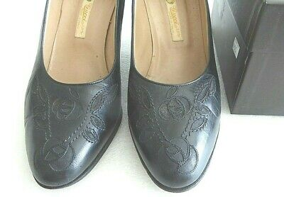 "Authentic Gucci Black Classic 3"" Woman Embroided Rose Leather Pump Shoes 37.5M"