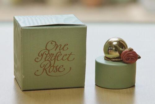 HTF Vintage ONE PERFECT ROSE ** GEORGETTE MOSBACHER miniature parfum 4 ml BOX