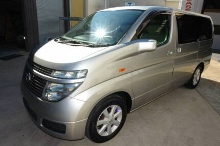 2004 E51 NISSAN ELGRAND 3.5LTR V6 WAGON WITH 8 SEATS AND CLOTH TR Arundel Gold Coast City Preview