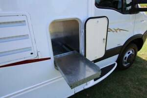 2010 Winnebago Esperance C2464 Electric Roll Down Bed