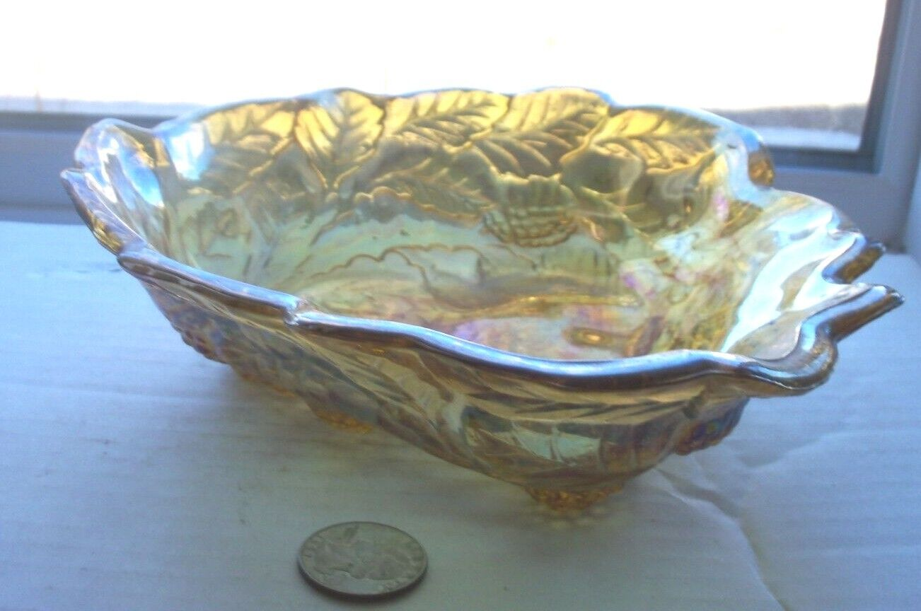 NICE ART GLASS VINTAGE CARNIVAL GLASS CANDY BOWL WITH A GRAPE LEAF PATTERN - $5.99