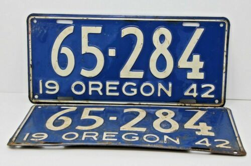 1942 Oregon License Plates Matching Pair Very Rare Antique Set