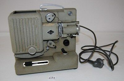 E1 Ancien projecteur EUMIG P8 - Vintage - métal