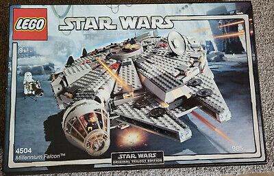 LEGO Star Wars MILLENNIUM FALCON #4504 985 pcs Han Leia Snowtrooper C-3PO 2004