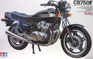 TAMIYA Motorrad Plastikbausatz 1:6 HONDA CB750F