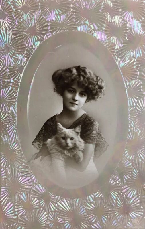 GIRL & CAT Carlton Publishing Antique Postcard early1900's GERMANY