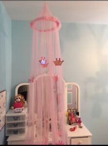 Girls pink sparkly bed canopy