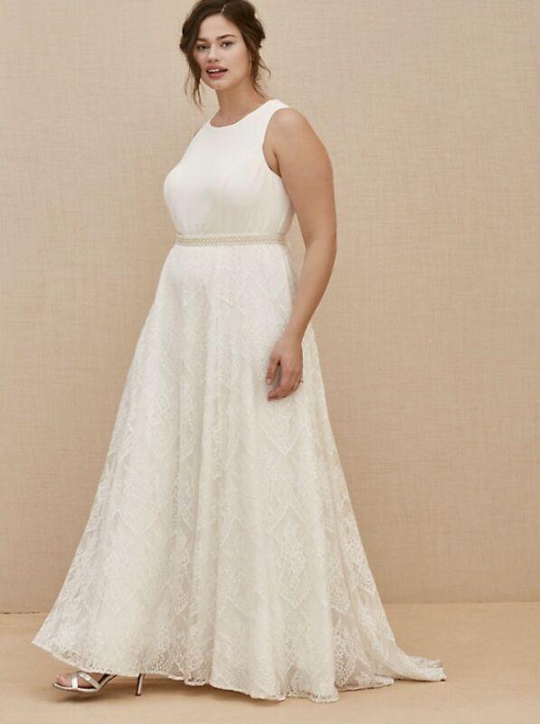 IVORY LACE SASH BELT WEDDING DRESS (SIZE 14)